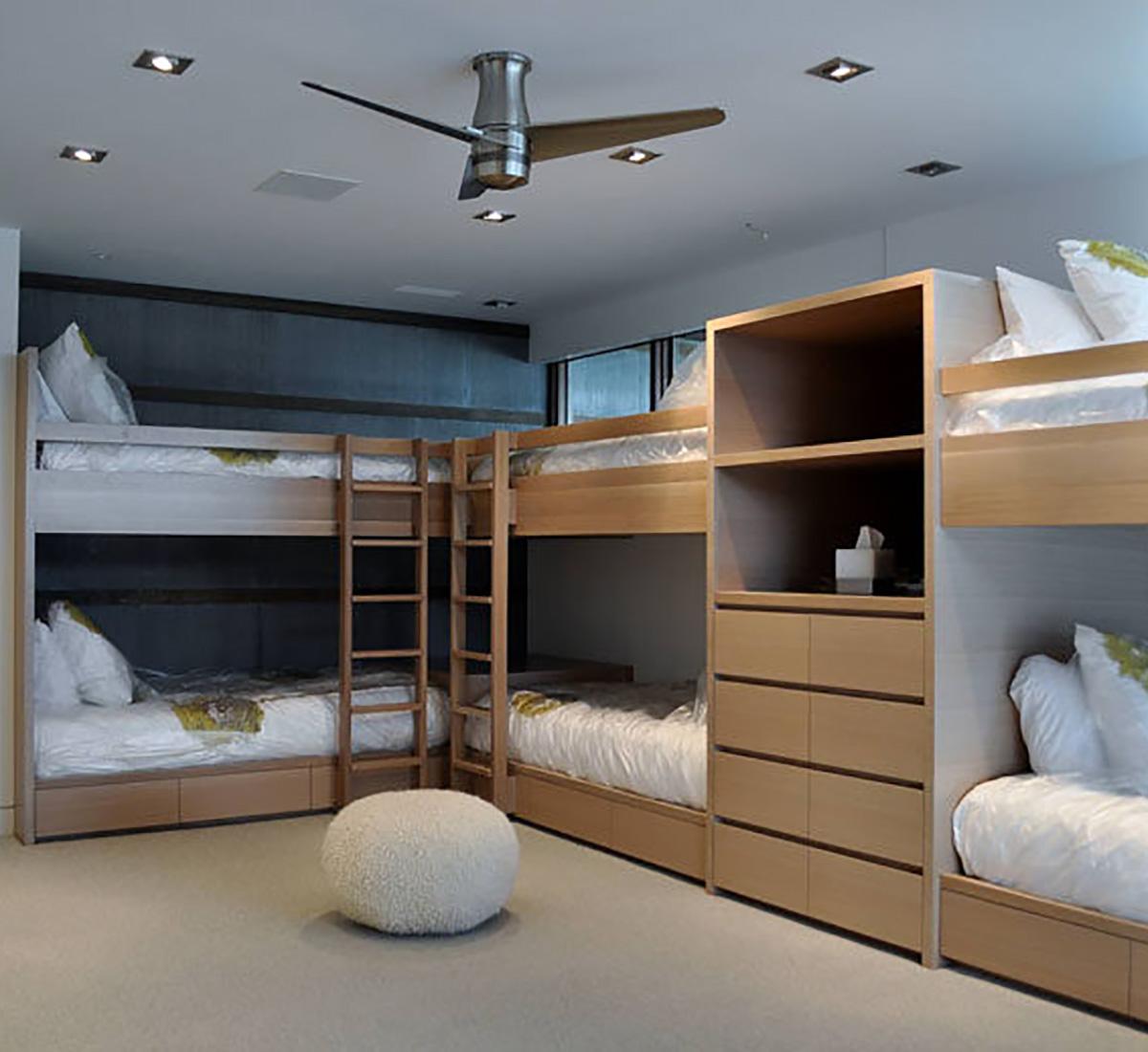 学校宿舍床
